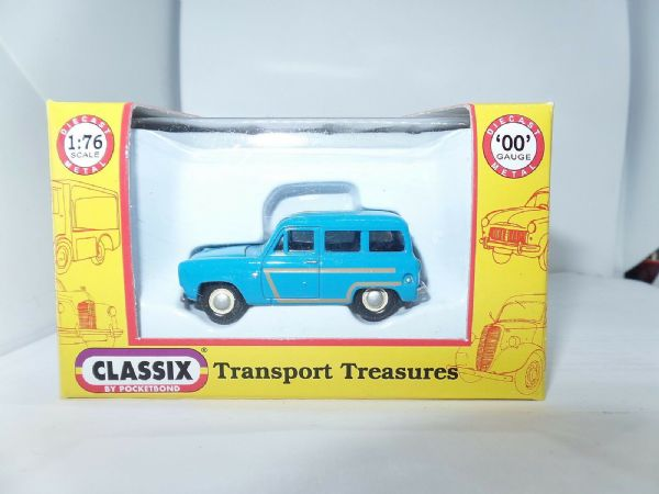 Classix EM76671 1/76 OO Scale Ford  Escort Squire Estate Blue Wood Trim